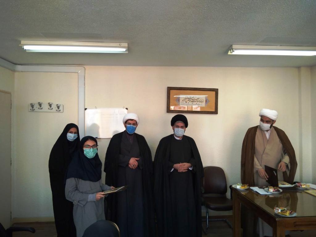 نشست با فعالین دانشجویی و تقدیر از فعالین منتخب(واحد تهران)